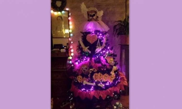 Πρωταγωνίστρια του Μπρούσκο έκανε το Χριστουγεννιάτικο δέντρο...Καρνάβαλο!