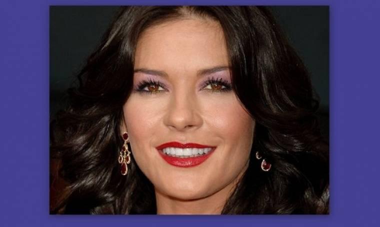 Catherine Zeta-Jones: Διατηρεί λαμπερά τα δόντια της με φράουλα