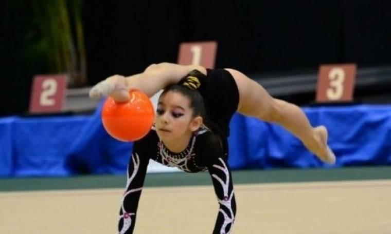 Η 13χρονη αθλήτρια ρυθμικής γυμναστικής, που ξεσηκώνει τον κόσμο με το ταλέντο της! (βίντεο)