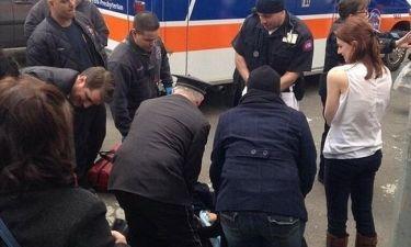 Γυναίκα γέννησε σε πεζοδρόμιο της Νέας Υόρκης (Video)