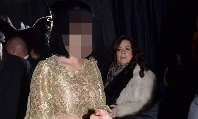 Πασίγνωστη τραγουδίστρια βοήθησε φίλη της να γεννήσει στο σαλόνι του σπιτιού της!