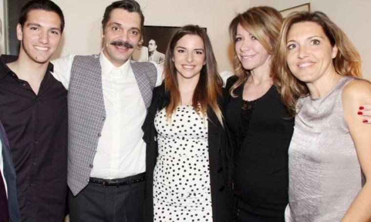 Μια σπάνια οικογενειακή φωτογραφία. Η οικογένεια Κούρκουλου όλη μαζί!