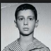 Δείτε τον Λάκη Γαβαλά σε παιδική ηλικία!