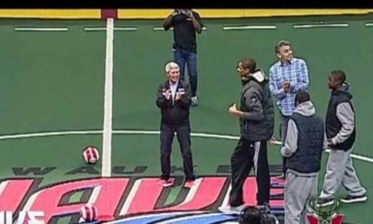Μιλγουόκι Μπακς: Και… ποδοσφαιριστής ο Αντετοκούμπο (videos)