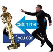 Όσκαρ 2014: Χαμός στα social media με τον DiCaprio να «κυνηγά» ένα Όσκαρ!