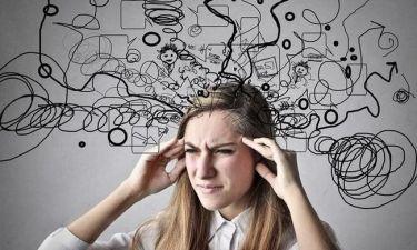 Πέντε «ύπουλες» αιτίες που πυροδοτούν τον πονοκέφαλο