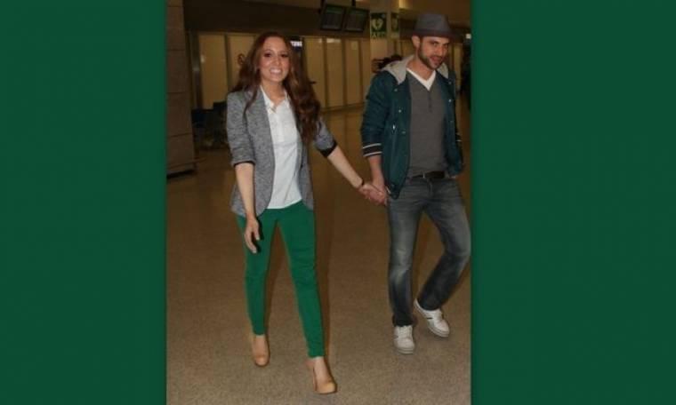 Καλομοίρα: Χέρι – χέρι με τον άντρα της στο αεροδρόμιο!
