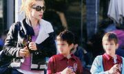 Ντορρέτα Παπαδημητρίου: Βόλτα με τους γιους της!