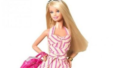 Η Barbie αποκτά ανταγωνισμό: Κούκλα με σώμα 19χρονης έρχεται να την ρίξει απ' το θρόνο της
