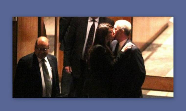 Σκάνδαλο στο παλάτι - Ο γιος της Ελισάβετ σε τρυφερά ενσταντανέ με την πρώην του Clooney