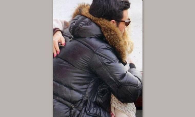 Ποιον αγκαλιάζει η Μενεγάκη και δεν είναι ο Ματέο;