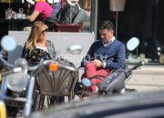 Μίτσελ: Χέρι χέρι με την γυναίκα του στην Γλυφάδα