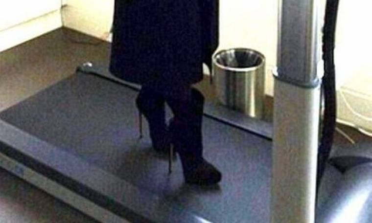 Δεν έχει τον Θεό της! Έκανε διάδρομο με τα ψηλοτάκουνα!