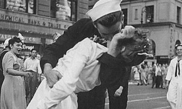 Πέθανε ο ναύτης της Τimes Square