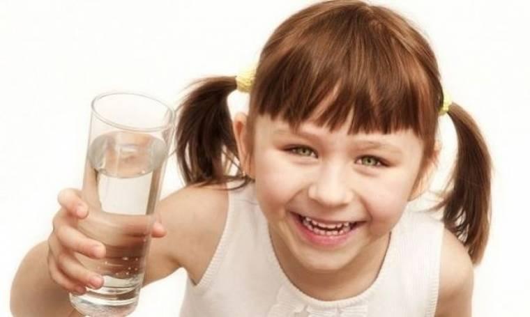 Πόσο σημαντικό είναι το νερό για το σώμα μας; Aπό τη διατροφολόγο Ευσταθία Παπαδά