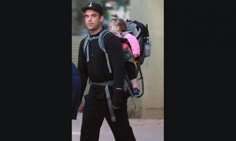 Robbie Williams: Βόλτα με τη γυναίκα της ζωής του