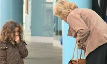 Σοκαριστικό: Δυο κοριτσάκια έκαναν ότι χάθηκαν και πόσοι τις βοήθησαν;