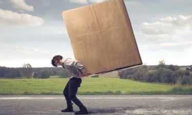 Οι 5 καθημερινές συνήθειες που καταστρέφουν τη μέση σας
