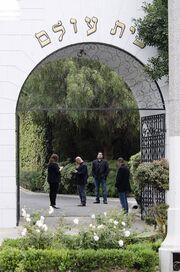 Με το τραγούδι «Will the Circle Be Unbroken» είπε το τελευταίο αντίο ο Mick Jagger στην L'Wren Scott