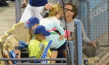 Χαριστική βολή στο διαζύγιο της Gwyneth Paltrow οι φωτό που φιλιέται με τον πρώην της!