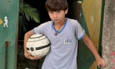 ΣΥΓΚΙΝΗΤΙΚΟ: 11χρονος χωρίς πόδια παίζει ποδόσφαιρο (video)