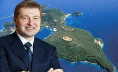 Ντμίτρι Ριμπολόβλεφ: Διαπραγματεύεται την αγορά και άλλου ιδιόκτητου νησιού στο Ιόνιο μετά τον Σκορπιό!