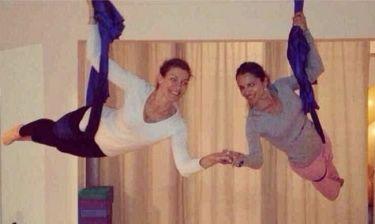 Ζέτα Δούκα-Σόφη Πασχάλη: Τα κορίτσια το έριξαν στην aerial yoga