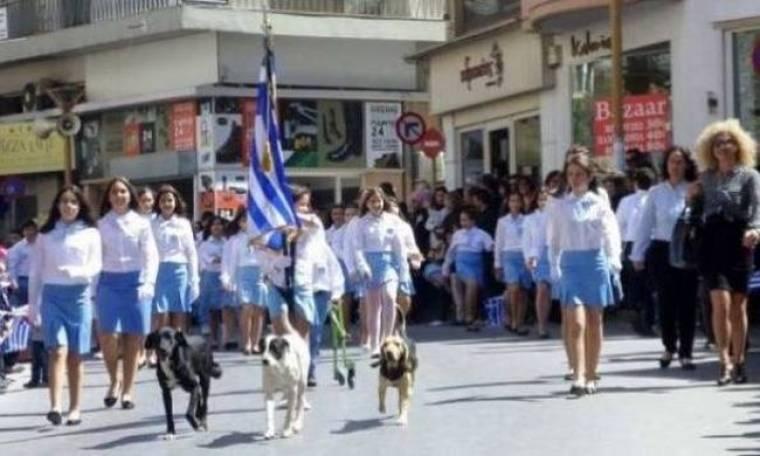 Κρήτη: Αυτή ήταν παρέλαση – Η φωτογραφία που τρέλανε τα social media