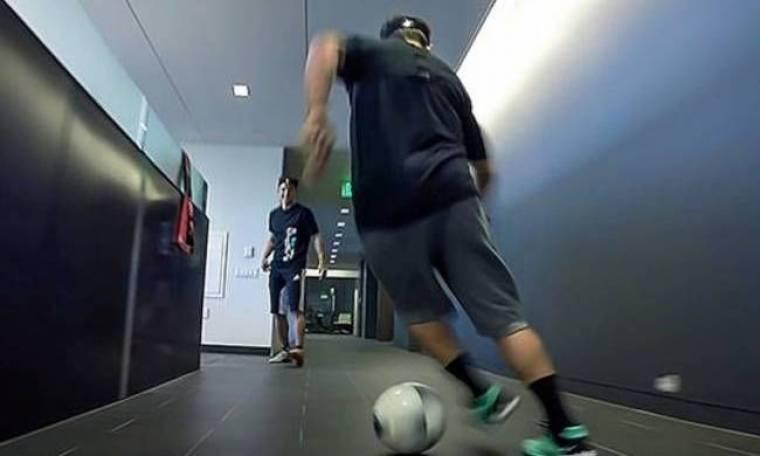 Όταν οι εργαζόμενοι παίζουν μπάλα στο... γραφείο (video)