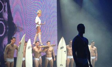 Madwalk 2014: Κατάξανθη και με ράστα στην σκηνή η Τάμτα!