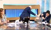 Ο Παπαδάκης πήρε το μαξιλάρι και… «χτύπησε» τον συνεργάτη του