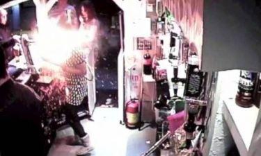 Ηλεκτρονικό τσιγάρο εκρήγνυται στο πρόσωπο σερβιτόρας! (βίντεο)