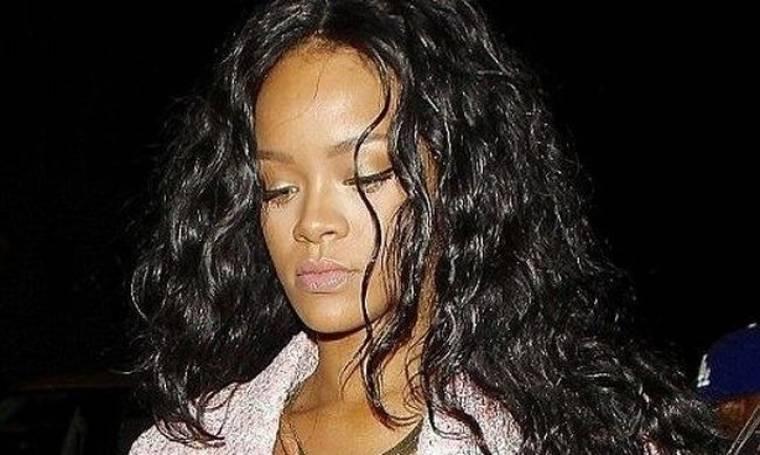 Έγκυος η Rihanna; (φωτό)
