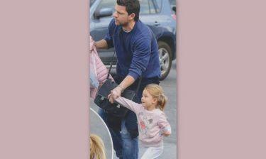 Τάκης Φύσσας: Βόλτα με την μικρή του πριγκίπισσα!