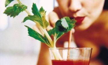 4 διατροφικοί μύθοι που στερούν απόλαυση και γεύση από το τραπέζι μας