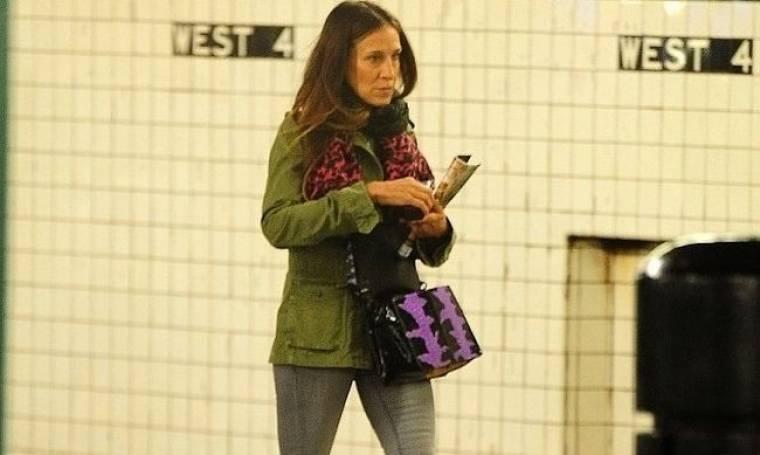 Η Sarah Jessica Parker χρησιμοποιεί το μετρό