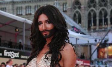 H τρανσέξουαλ της Eurovision με το μούσι θέλει να γίνει το κορίτσι του James Bond