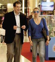 Η Κωνσταντίνα Σπυροπούλου έκανε τις πασχαλινές της αγορές με τον…  (φωτό)