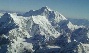 Εννέα νεκροί στο Έβερεστ από χιονοστιβάδα
