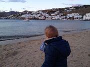 Γιώργος  Μανίκας-Έλλη Γελεβεσάκη: Πάσχα με τον γιο τους στην Μύκονο (φωτο)