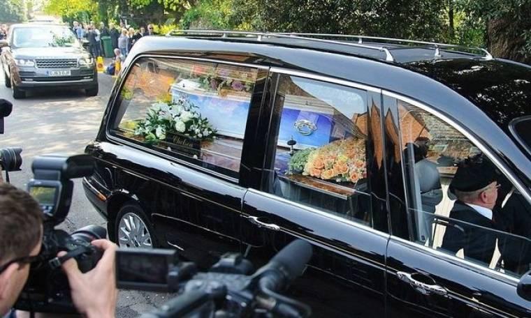 Θρήνος στην κηδεία της Peaches Geldof