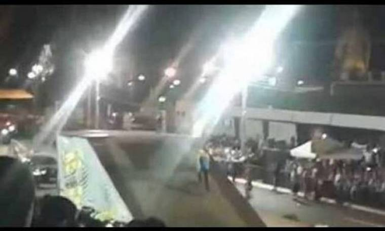 Σοκαριστικό ατύχημα σε αγώνες επίδειξης μηχανών! (video)