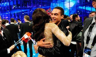 Eurovision 2014: Το καρδιοχτύπι της Conchita και η αγκαλιά του Riskykidd!
