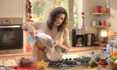 «Τι θα φάμε σήμερα μαμά;»: Η Κόχυλα μαγειρεύει για την κόρη της