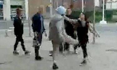 Νεαρή γυναίκα επιτέθηκε σε ηλικιωμένο με κλωτσιές! (pics+ video)