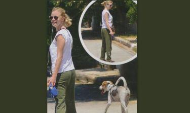 Ζέτα Μακρυπούλια: Βόλτα με το σκύλο της!