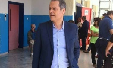 Εκλογές 2014: Στο Χαλάνδρι ψήφισε ο Θάνος Τζήμερος (pics)