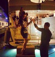 Κάννες 2014: Ελληνίδα μοντέλο δέχτηκε χειροφίλημα από τον Bieber!