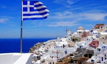 Η εικόνα που κόβει την ανάσα: Έτσι φαίνεται η Ελλάδα από το διάστημα (vid)