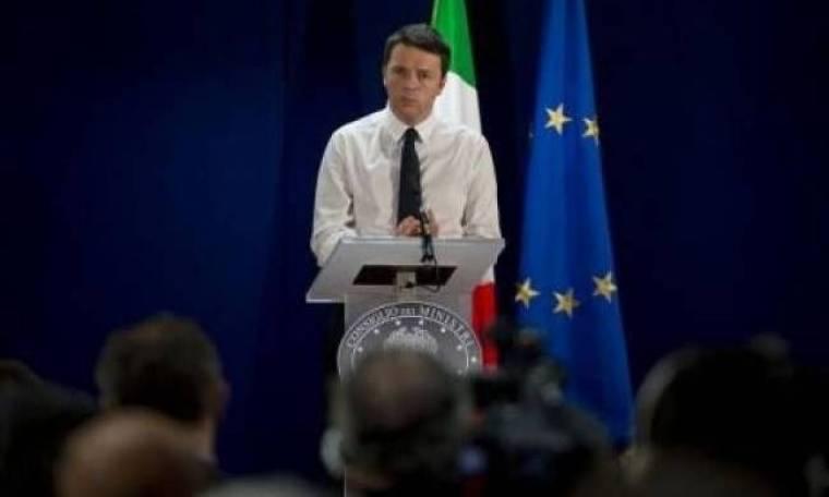 Ευρωεκλογές 2014: Προεκλογική συγκέντρωση Ρέντσι με ξύλο και 40 συλλήψεις